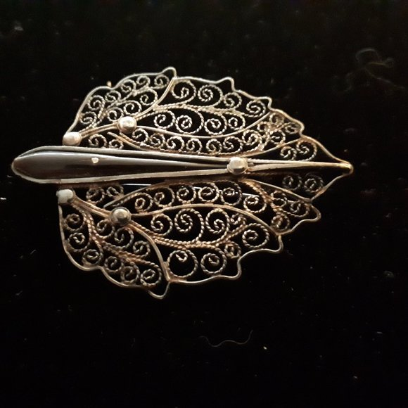 Antique Silver Filigree and Onyx Brooch